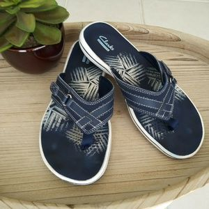 Clark's Collection Women 7 Blue comfort sandles